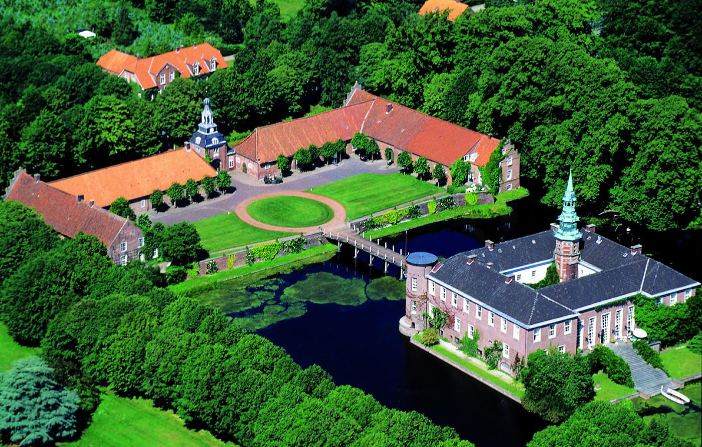 Luftbild Schloss Lütetsburg